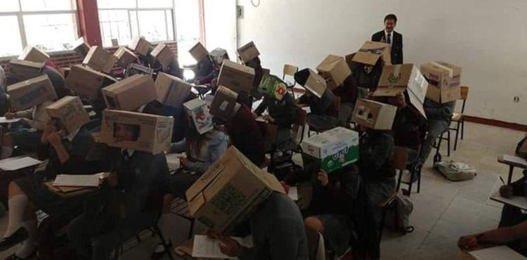 Учитель придумал, как не дать студентам списывать на экзамене, но его метод вызвал горячие споры в Сети