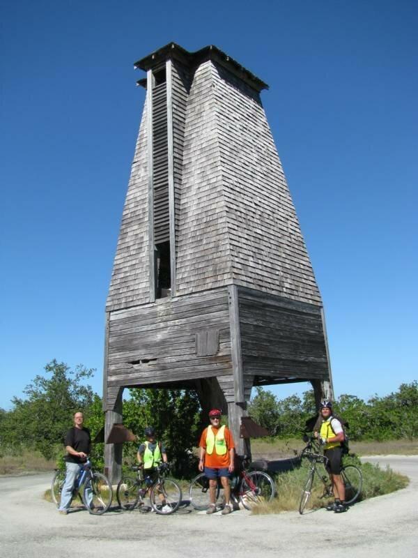 Необычная башня со своей историей                      Интересное