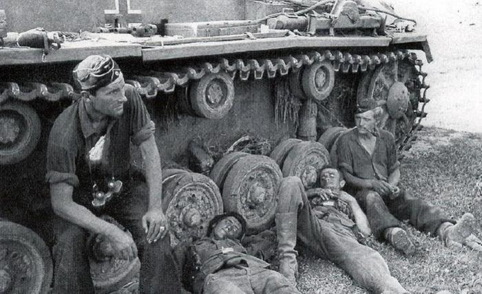 Почему немецкие танкисты во время Второй мировой войны не носили шлемофоны хай-тек