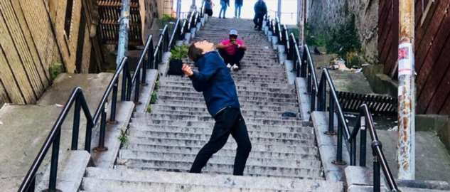 Отчего эта нью-йоркская лестница приобрела такую популярность?  Интересное