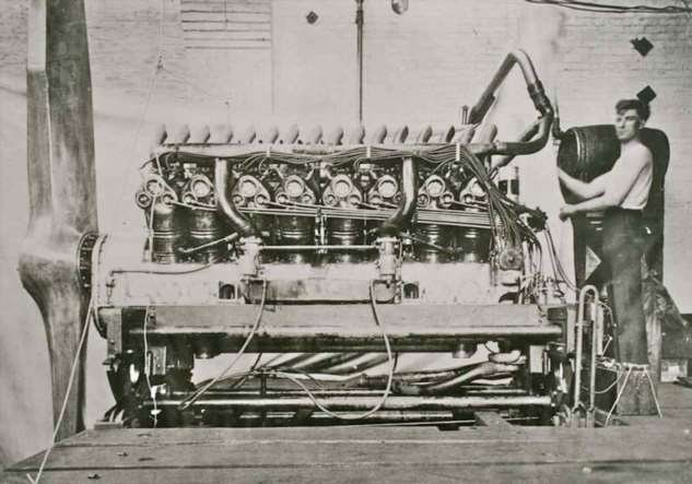 Машина богов или что такое «Дюзенберг» (17 фото) Duesenberg, братья, времени, модели, автомобиль, только, Эрретт, шасси, автомобилей, машины, модель, Дюзенберги, нового, середине, первый, продажи, заезд, автомобилем, своего, колес