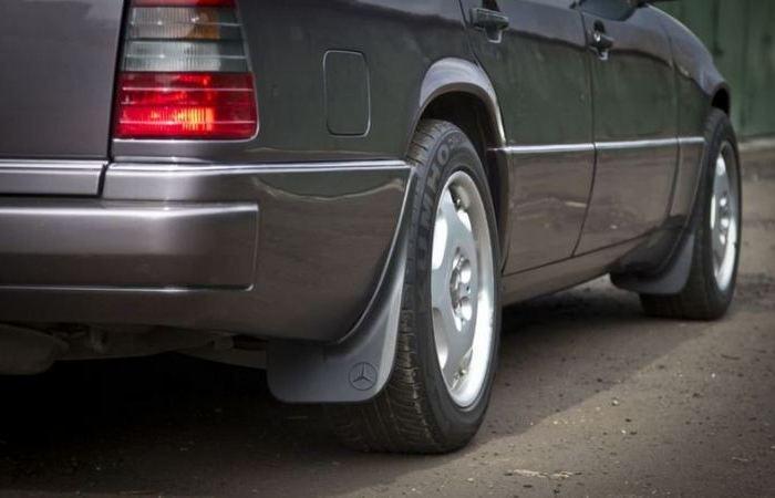 Почему опытные автомобилисты отказываются от такой вещи, как брызговики