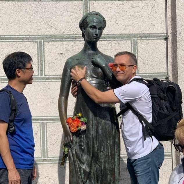 Статуя Джульетты в Мюнхене исцеляет мужчин  Интересное
