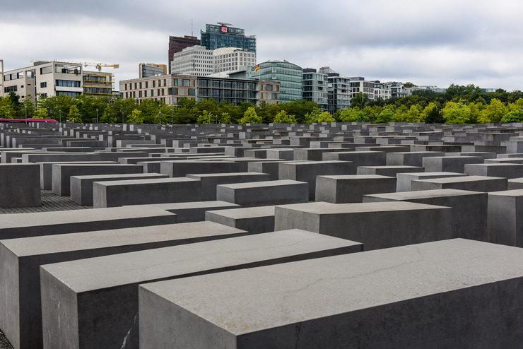 Жуткие памятники, глядя на которые становится не по себе Интересное