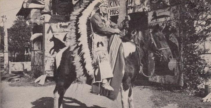 История советского летчика, который стал вождем индейского племени Интересное