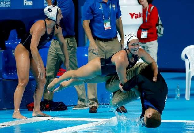 Неловкие моменты в спорте. Чертовская Подборка №00290614112019 юмор,демотиваторы,прикольные картинки,смешные фото