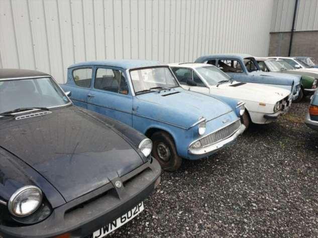 В Англии нашли заброшенную коллекцию ретро-авто Интересное