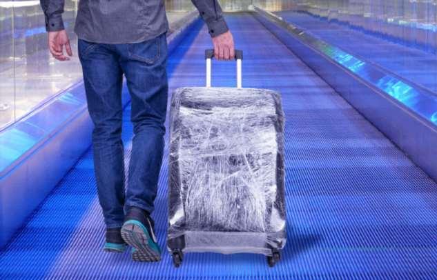 Почему не стоит обматывать чемодан пленкой во время поездки