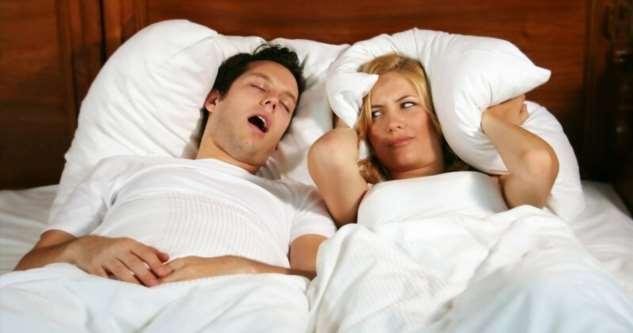 Почему человек во сне храпит: причины появления храпа и способы его устранения  Интересное