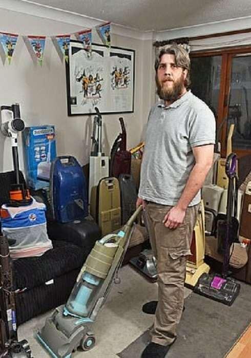 Коллекционер пылесосов ненавидит уборку  Интересное