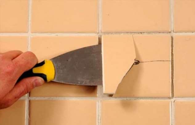 Как заменить треснувшую плитку на новую без ущерба для соседнего покрытия плитки, будет, нужно, |Фото, стоит, плитку, новой, Сделать, ставим, сверлим, После, можно, плитка, такой, шагом, заменить, зубило, чтобы, очень, важно