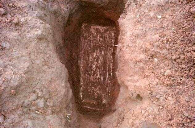 Кого древние римляне хоронили в свинцовых гробах?  Интересное