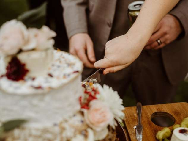 Необычный свадебный торт из сыра Интересное