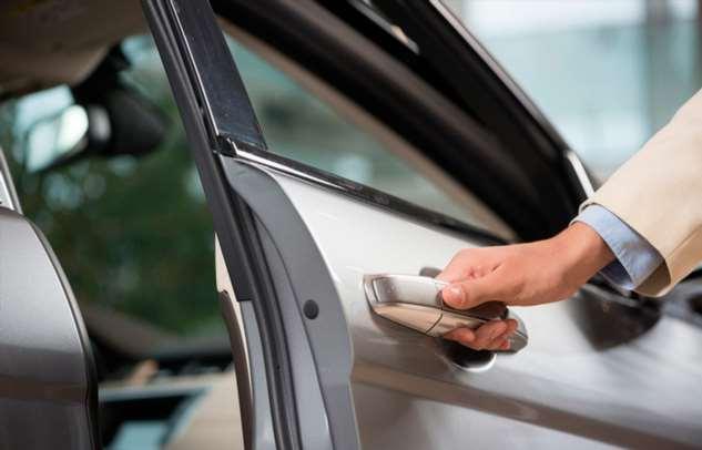 Что делать, если в автомобиле стала не закрываться одна из дверей