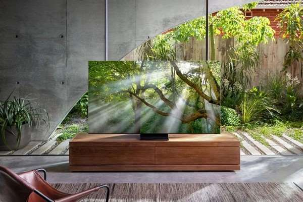Samsung представили первый безрамочный телевизор в мире