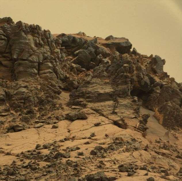Фотографии Марса, сделанные марсоходом НАСА за 7 лет Интересное