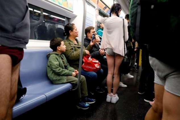 «Метро без штанов» в разных городах мира