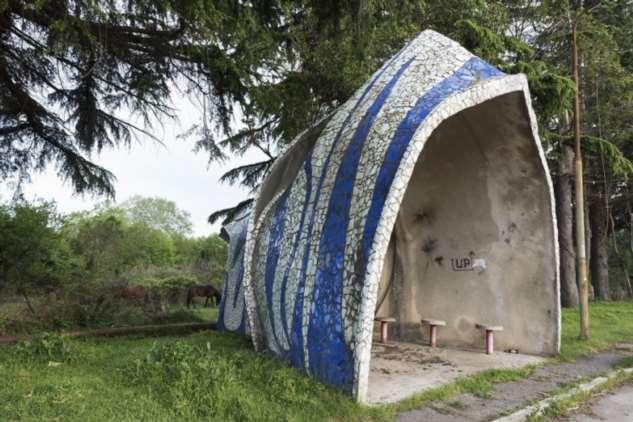 Уникальные автобусные остановки в Абхазии остановки, Абхазии, находятся, имеют, остановок, автобусные, туристическими, построены, пластика, бетона, камня, мозаики, объектамиОстановки, места, достопримечательностями, являются, назад, сейчас, нравились, Большинству