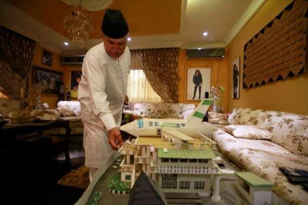 Мужчина построил жене дом в форме самолета, потому что она любит путешествовать Джаммал, самолет, самолета, форме, началось, продолжается, станет, построил, гостиных, помогали, офисаДети, домашнего, внутри, хвоста, модель, небольшую, спален, ливанского, кедра, НигерияВнутри