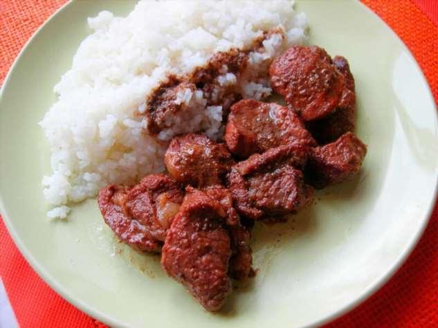 Мясо в красном вине со специями