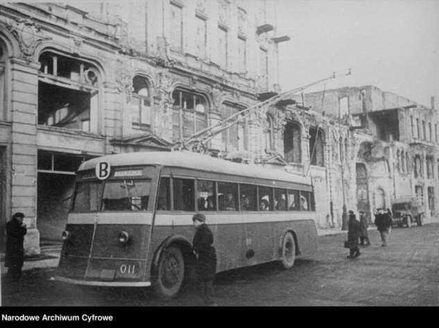 «Рогатый» транспорт (7 фото) маршрутах, 1948го, Варшавы, передано, организовать, троллейбусов, использовались, троллейбусы, прошли, капитальный, ремонт, Троллейбусы, 1952го, 1945м, после, передачей, оставшихся, моменту, работоспособном, состоянии