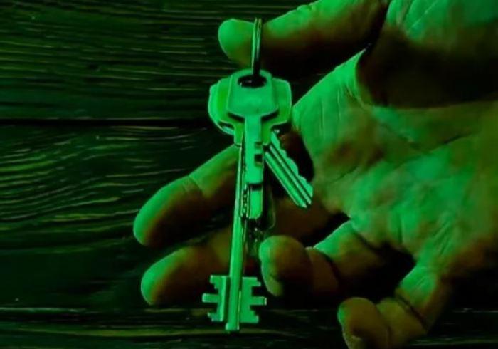 Для чего в некоторые ключах просверливают дополнительное отверстие Интересное