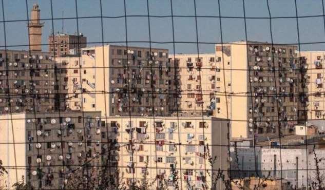 Фотограф снимает спутниковые антенны в городах Северной Африки: они выглядят как паразитический организм