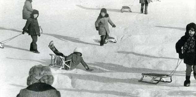 Фотографии былых времён. Зимние забавы советских детей