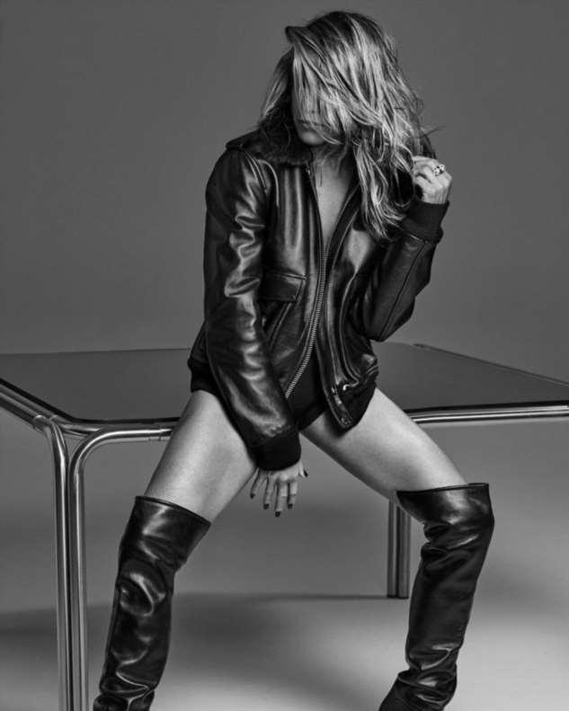 Дженнифер Энистон отпраздновала свой 51-й день рождения новой фотосессией Интересное