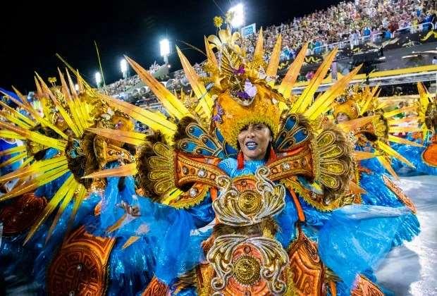 Яркие краски карнавала в Рио-де-Жанейро Интересное