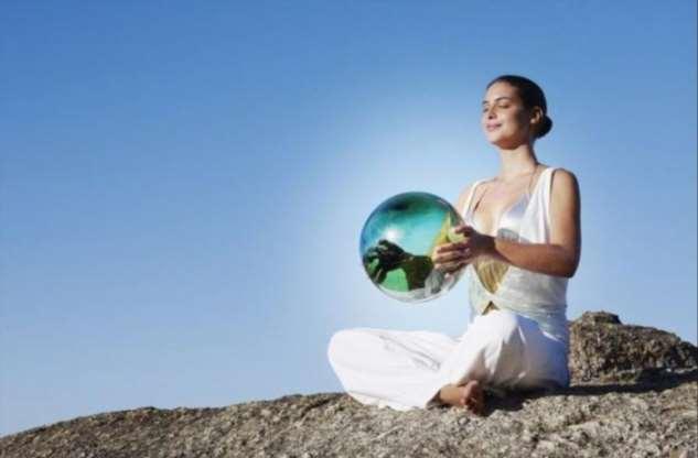 Как научиться контролировать эмоции с помощью медитации Рэйки  Интересное