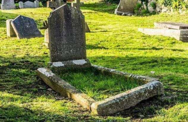 Что будет, если случайно наступили на могилу на кладбище Интересное