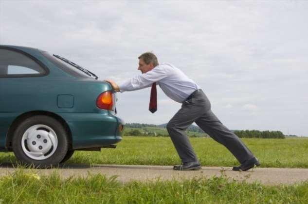 Действительно ли можно угробить мотор авто, если кататься на «лампочке» авто