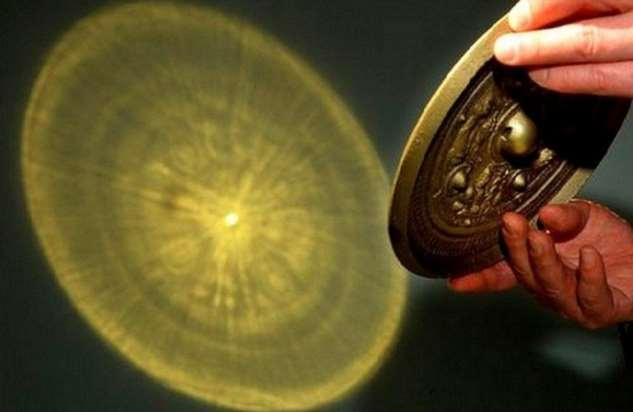 Прозрачная бронза: в чем состоит феномен китайских зеркал