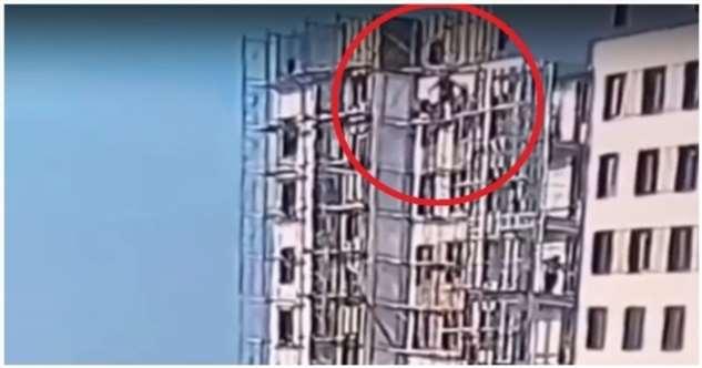 Дагестанское чудо: рабочие упали с девятого этажа и выжили  Интересное