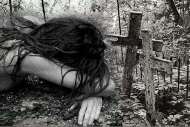 Порча с кладбищенской землей чуть не погубила мою подругу – мистическая история Интересное