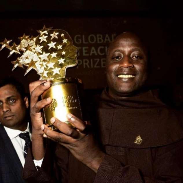 Учитель из деревни в Африке признан лучшим в мире — и получит https://chert-poberi.ru/wp-content/uploads/proga2018/images/202002/chert-poberi-57410318022020-2.jpg млн  Интересное