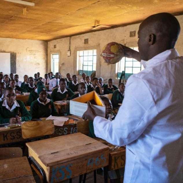Учитель из деревни в Африке признан лучшим в мире — и получит https://chert-poberi.ru/wp-content/uploads/proga2018/images/202002/chert-poberi-57410318022020-5.jpg млн  Интересное