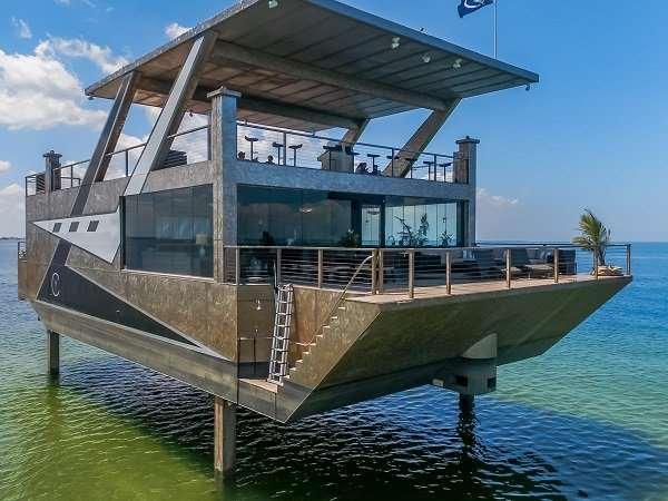 Яхта-особняк за 12 миллионов долларов, которая сделана целиком из нержавеющей стали Интересное