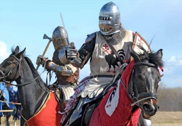 Назад в средневековье: для чего немецкую полицию принялись облачать в кольчуги Интересное
