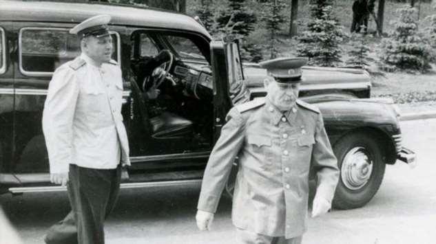 Какие атаки при случае был способен выдержать ЗИС-115, сделанный для Сталина авто