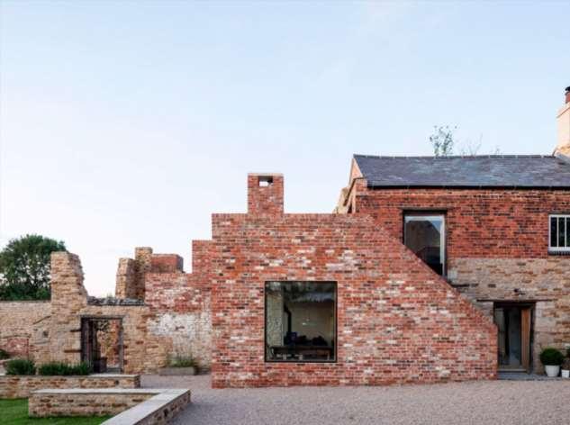 Руины старинной пергаментной фабрики превратили в семейное поместье: реконструкция превзошла ожидания Интересное