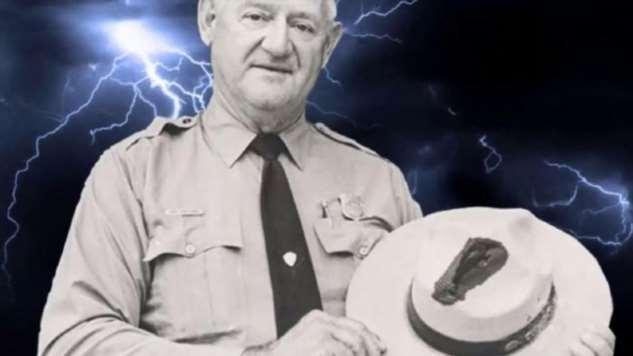 Выжить после 7 ударов молнии — история Роя Салливана  Интересное