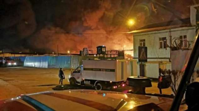 В иркутской колонии произошел бунт и сильный пожар, сгорели восемь зданий  Интересное