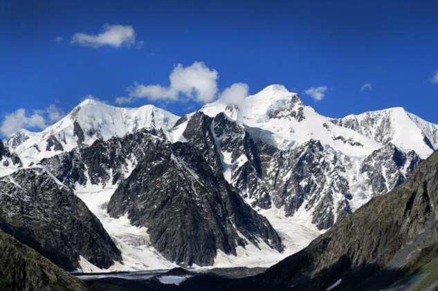 Гора Белуха — символ Алтая, самая высокая гора Алтая и Сибири  Интересное
