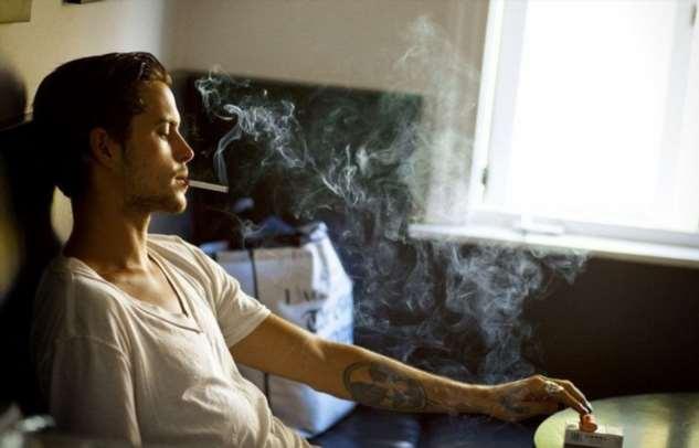 5 способов избавиться от надоевшего запаха сигарет, если ими провонялось все помещение Интересное