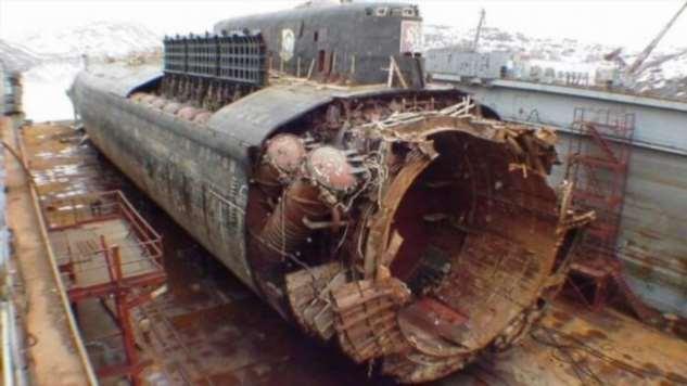 Что на самом деле случилось с подлодкой Курск?  Интересное