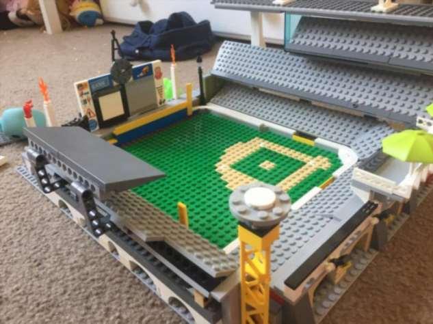 Чем на карантине занимаются люди, у которых есть LEGO Интересное