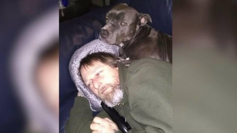 Любимая собака облизала хозяина и он остался без рук и ног